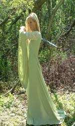 Coronation_gown_Sidney